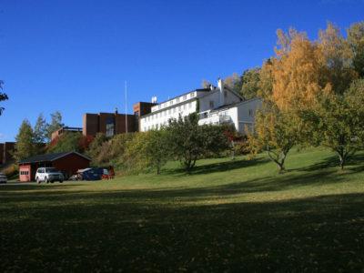 Kan jeg stemme Høyre og gå på Arbeiderbevegelsens Folkehøgskole?